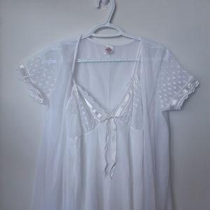 Vintage White Nightgown w/Robe